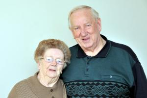 Middlewich couple celebrate 60 years marriage with first picture together